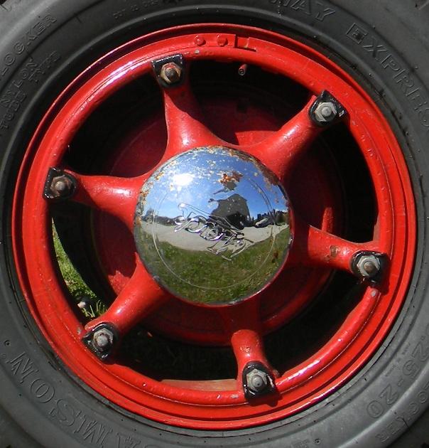Mack wheel